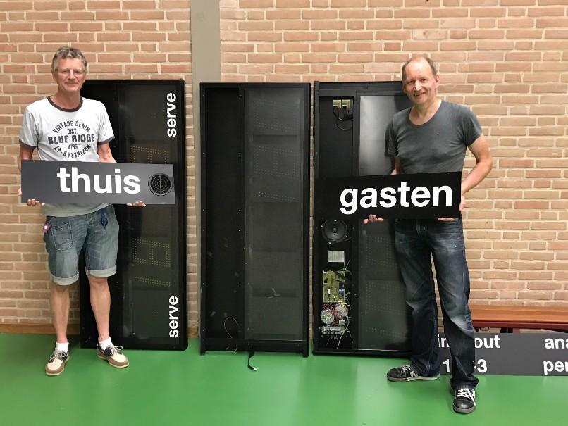 Folkert Majoor en Pieter van Rij met scorebord DAS-806x605